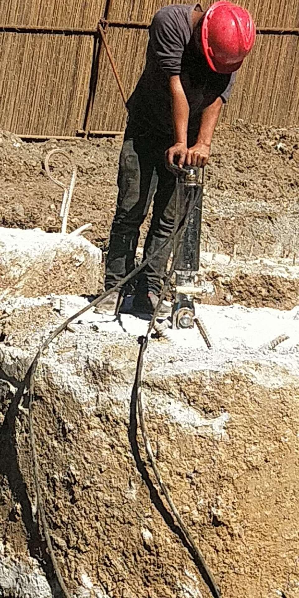 蕪湖手劈裂機靜態開采巖石質量優質